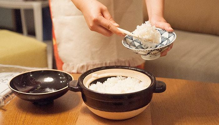 毎日食べているお米ですが、日本には多くの米の品種があり、丹精こめて作る多くの生産者の方がたくさんいます。今回は、これから新米の季節にぴったりな、とっておきのお米屋さんと、お米をおいしくいただくお米の研ぎ方・炊き方をご紹介します。