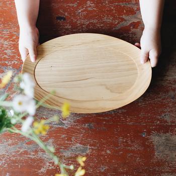 木目がきれいなナチュラルな木の器。使う程に馴染んでいき、自分色に変化していく楽しみがあります。