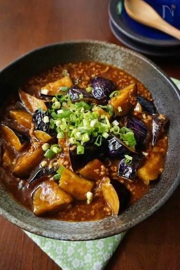 辛みが苦手な方にオススメのレシピ。豆板醤を控え甜麺醤を多めに使っているので、より甘みとコクをしっかり感じるマーボーナスに仕上がります。
