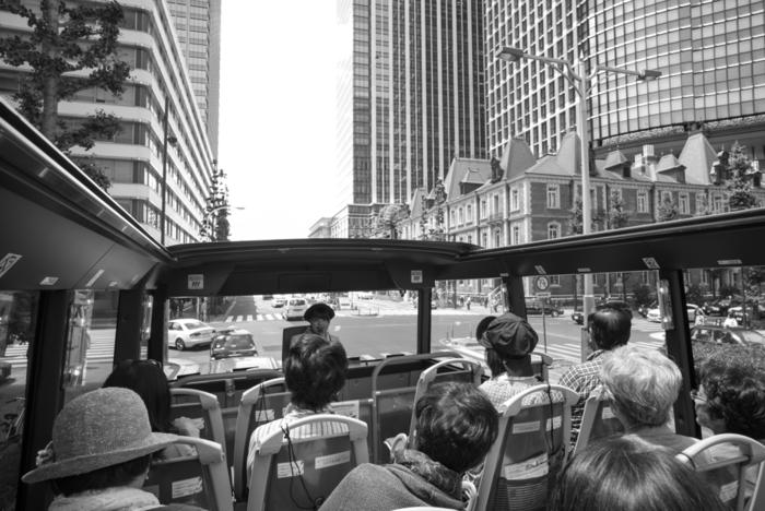なんだかどこか遠くに出かけたい…。そんなときは、さまざまな観光地を案内してくれる「バスツアー」がおすすめ。バスに乗ってしまえば目的地まで連れて行ってくれ、コースや内容も多種多様!バスガイドさんの案内のもと、楽しい秋の遠足に出かけてみませんか?