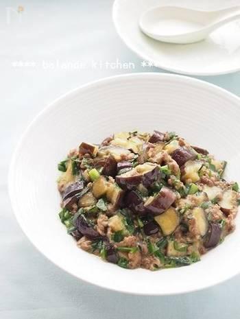 ダイエットマーボーナスは、油控えめでニラがたっぷり!マイルドで優しい味付けが好きな方、カロリーが気になる方にオススメの一品です。