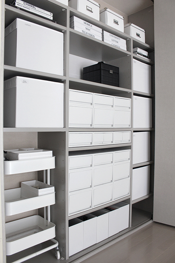 家中の整理収納に、使いやすいボックスやカゴがたくさん出回るようになりました。 あれこれ試すうちに、使わなくなった収納ボックスが家の隅に積み上がってる…なんてことはありませんか?