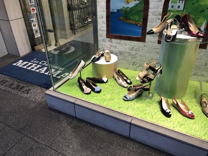 ハマトラブームの際に人気だったのが、横から見ると平らなデザインでヒールが低いカッターシューズです。坂道の多い横浜で、ヒールの高くない靴を作り出したのがこのデザインの始まりだそう。このカッターシューズは、現在も「ミハマ」の定番商品として人気です。また、「ミハマ」でも、購入した靴の修理をされています。ずっと続く気配りが、長く愛されるお店の秘訣かもしれません。