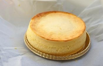 チーズ好きな方へのお土産には、「赤い風船」のフォンダンフロマージュはいかがでしょう?