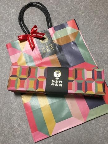 和モダンなパッケージもとってもおしゃれ♪和色チョコ文様・長崎港の2種類のデザインから選べるのも嬉しいポイントです。