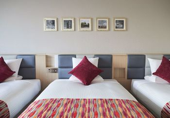 ホテルによっては小学生から子供料金がかかりますが、「ホテル マイステイズ プレミア成田」は小学生まで添い寝無料のプランがあります。子供と一緒の場合は2台のベッドをつなげてある部屋に案内してもらえることも。