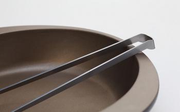 こんなトングがあったらいいな…を実感できる「ステンレス製の菜箸saibashi」。