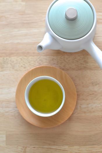 緑茶に含まれるテアニンはリラックス効果をもたらすといわれています。午前中にはりつめた神経をいったんリセットし、もうひと頑張りするのにぴったり。