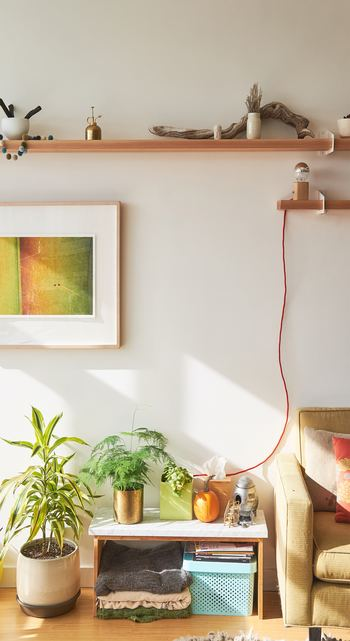 あら不思議。壁にお気に入りのアートピースが1枚あると、それだけでお部屋がパッと彩りよく見えます!できることなら気分も明るくなるような好印象のお部屋で過ごしたいものですよね。
