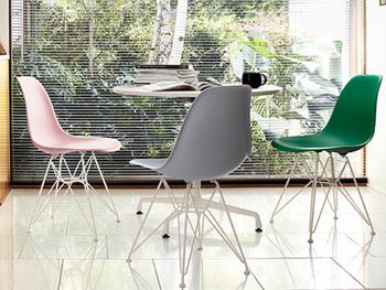 ちょっとレトロな雰囲気なのに、現代の家具や人気の北欧家具とも馴染むミッド・センチュリー。ぜひインテリアに取り入れてみてください。