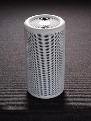 空気清浄機を使うおうちも増えてきました。空気清浄機はタイプによって、加湿器や除湿器とセットになっているものなど、いろいろなものがありますよね。説明書を読んで、製品にあったお手入れをするのが大切です。