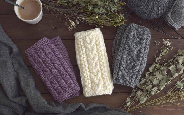 冬に向けてだんだん寒くなるこれからの季節は、おうちでのんびりと《編み物》を楽しみたいですよね。とはいえ、毛糸の選び方から編み針の使い方まで、勉強しないと分からないことが多いものです。「秋は編み物に挑戦してみたい!」という方は、さっそく教室で基本の編み方を学んでみませんか?