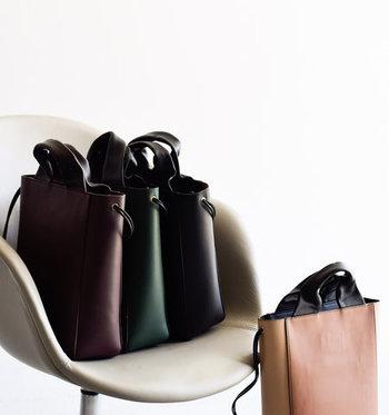寒い季節に合わせるバッグは、素材や色選びが何よりも大切なポイント。秋冬コーデにぴったりなバッグを選んで、どんどん活用してみてくださいね♪