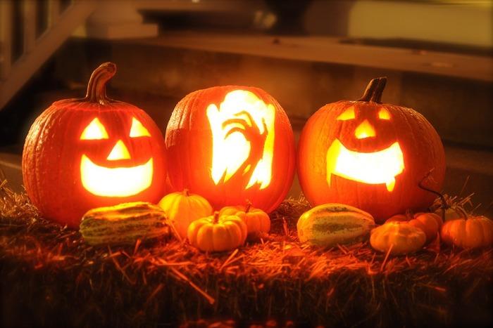日本でもすっかりおなじみのイベントになった、ハロウィン。オレンジ色のオバケかぼちゃ、ジャック・オー・ランタンを見かけると、秋の訪れを実感しますよね。  そんなハロウィン気分を気軽に楽しめるものといえば、ハロウィンスイーツ♪