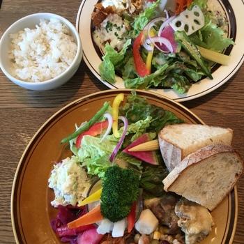 おいしい野菜がたっぷりと食べられて、お腹もお口も大満足出来るお店です。