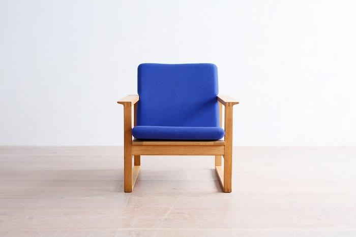 ✻ボーエ モーエンセン/model.2256 イージーチェア  日本では、その名をあまり知られていませんが、ヤコブセンやウェグナーと共にデンマークの家具デザイナーを代表する一人。シンプルなのに、どことなく日本的な直線美を備えていて、私達の日常空間にしっくりと馴染んでくれます。