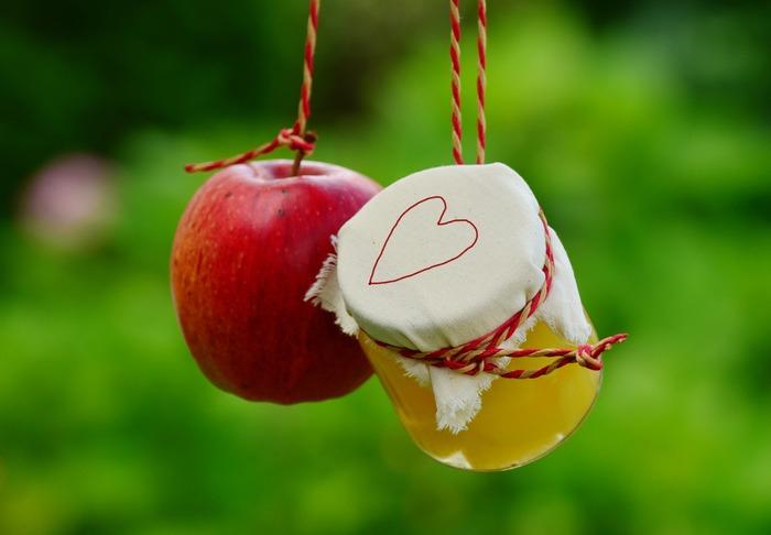 10月~12月は「りんご」が旬の時期。そのまま食べても美味しいですが、旬のりんごをたくさん、そして長期間味わえる「ジャム」に変身させて味わうのもおすすめですよ♪そこで今回は、美味しいりんごジャムの作り方や、りんごジャムのアレンジレシピをたっぷりご紹介します。