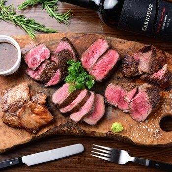 熟成肉が新鮮なお野菜と共に、リーズナブルな価格でいただけるので、がっつり食べたい方にもおすすめのお店です。
