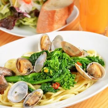 もちもちの生麺を使ったパスタが、種類豊富に揃っています。有機野菜をふんだんに使用し、ヘルシーにイタリアンがいただけます。ワインと一緒にいただくイタリアンは絶品です。