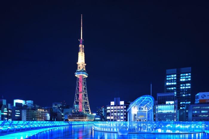 1954年に営業を開始した「名古屋テレビ塔」は、夜景遺産にも認定されたほどの観光スポットです。場所は、久屋大通駅から歩いてすぐのところ。ぜひその見事な夜景を見に、夜に訪れてみてください。