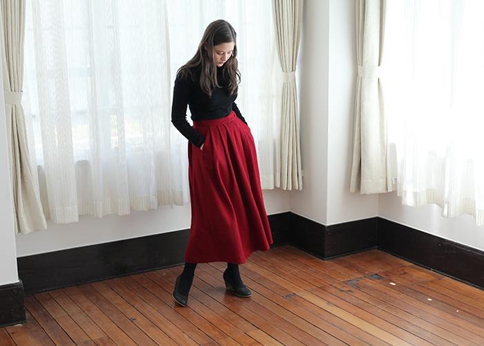 朱赤やレンガ色、ワインレッドやボルドーなど。 赤には様々な種類がありますが、色選びに迷った時には、ぜひ「ベースカラー」をヒントに考えてみてくださいね。 自分に似合う「赤」を見つけて、秋冬のおしゃれを楽しみましょう♪