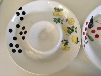 食卓の主役になってくれそうな真っ白な大きなディップ皿には、南ヨーロッパを思わせるさわやかなレモンを。存在感があるので、いつもの夕飯が明るく笑顔いっぱいの時間になってくれそう♪