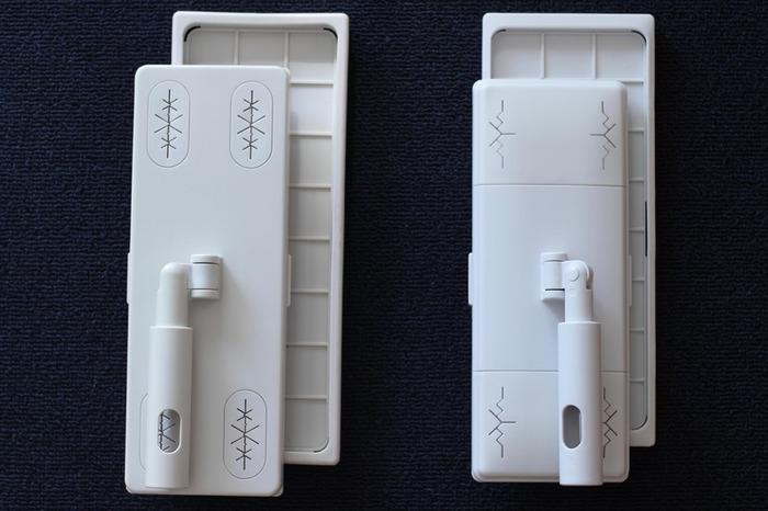 とくに人気のフローリングモップは、底が外せるようになっていて、マイクロファイバーモップをマジックテープで装着できる仕様に。 装着できるシートは、紙タイプのシートはドライ・ウェットの2種類、モップタイプも雑巾のようなマイクロファイバーモップウェットと、毛足の長いドライモップの2種類です。 (左側旧バージョン、右側新バージョン。)