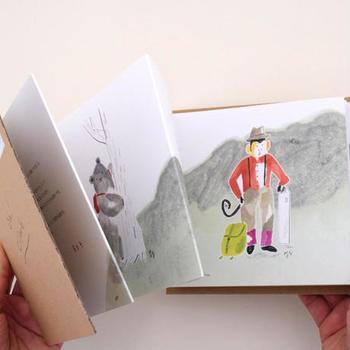 絵本なのであっという間に読めますし、手作り感のあるジャバラ折りの本は飾って置きたくなるくらい愛らしい1冊です!この本を読んだ後は、ぜひ友達や家族と一緒に登山などいかがでしょう?
