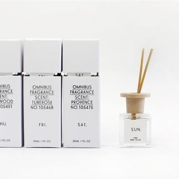 曜日をテーマに、7種類の香りが揃うフレグランスディヒューザー。上品な香水のような香りに癒されます。パッケージもシンプルでお洒落な洗練された見た目がとても素敵です。