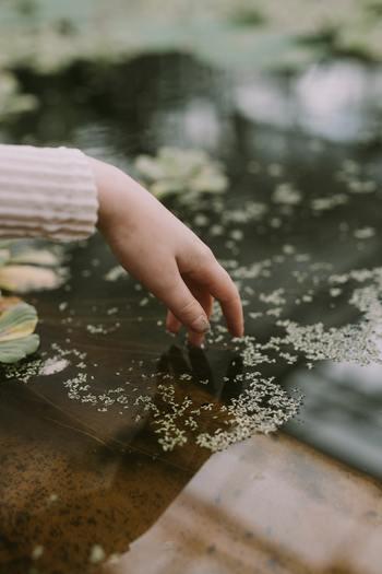 過去を悔やんでも仕方ない、と頭ではわかっています。もちろんやり直しはできないということも…。それでもなお後悔したくなるのは今の自分が思い描いたものと違っているから、ではないでしょうか。