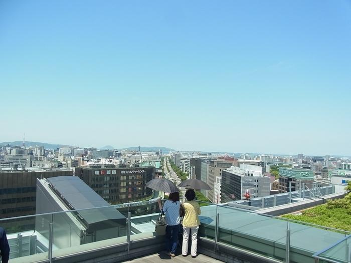 展望テラスからは福岡の街や博多湾などをパノラマで一望することができますよ!