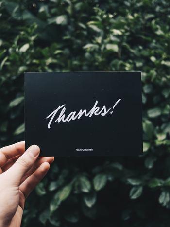 何かをしてもらったら、感謝の言葉を伝えますよね。そのとき、どんな感情が沸くでしょうか。あたたかい、ポジティブな感情で満たされると思いませんか? 感謝をすることは、心を安定させたり、免疫力を高めたりする効果があることが分かっています。 何かをしてもらった相手に対してだけでなく、ふだんの仕事にも、当たり前の日常にも感謝してみませんか。そうすることで、心が穏やかになり、病気にも負けない強い体へと変化していきます。