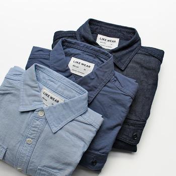等身大のおしゃれを叶えるデニムシャツ。着こなし方を少し工夫すれば、よりスタイリッシュにまとうことができます。ぜひ参考にして、さらに素敵なデニムシャツルックを目指しましょう!