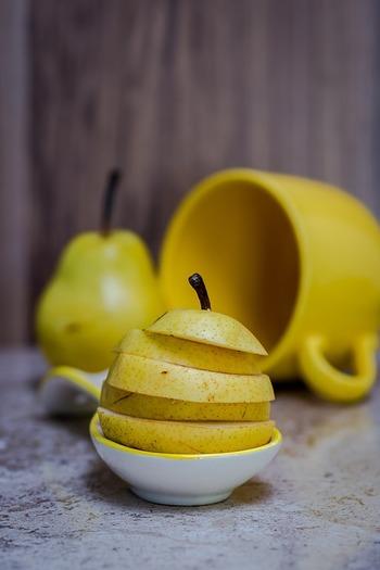 さっくりとみずみずしくて、ほんのりとした甘さの和梨。まろやかで和梨よりも濃厚な甘さが楽しめる洋梨。あなたはどちらの梨が好きですか?特に洋梨は加工に適していて、スイーツにすることでまったりとした食感を楽しめます。ぜひレシピを参考にして、梨を使ったスイーツ作りに挑戦してみましょう!