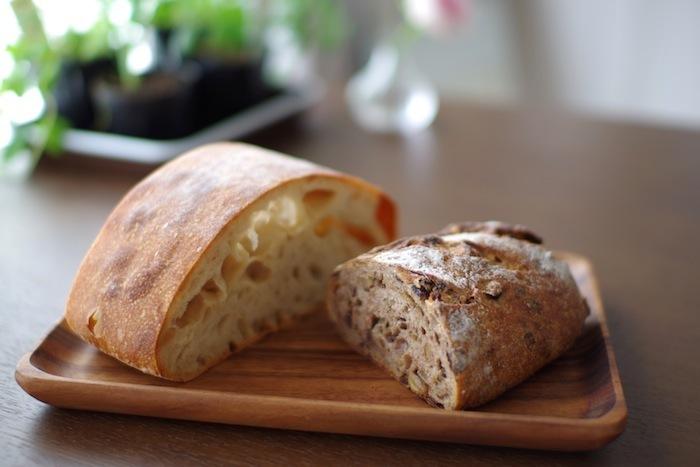 紹介したパン屋さんは、どれも地域の人から愛されるお店ばかり。それだけに行列ができていたり、閉店間際にはパンが売り切れていることも…。なるべく開店直後の時間帯がおすすめです。今週末はぜひ、お気に入りのパンを探しに千葉に行ってみてください。
