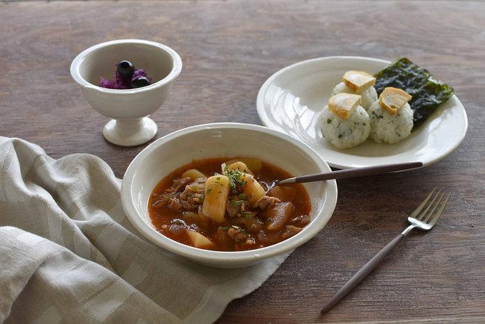冬に向かってだんだん寒くなるこれからの季節は、心も体も温まる美味しい「スープ」が飲みたくなりますよね。 忙しい朝でもパパっと作れて見た目もおしゃれ、なおかつ栄養もしっかり摂れる―そんなスープが一品あると、幸せな気持ちで1日をスタートできそうです。