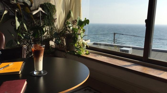 海の近くでのんびりリラックス。都心から1時間【逗子・葉山】のおすすめカフェ案内