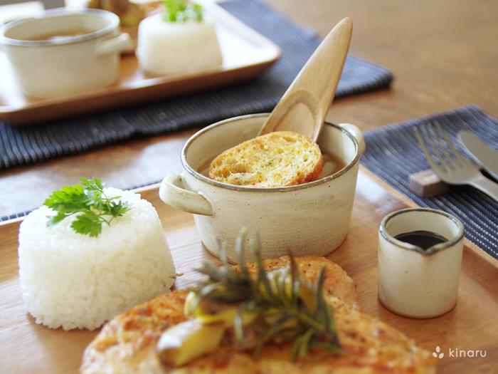 心も体も温めてくれる手作りスープと、食卓を上品に彩るお洒落な食器。 この2つの素敵な組合せで、幸せな1日をスタートさせてみませんか?