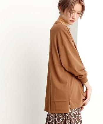 装いに秋を呼び込むブラウン。合わせるアイテムや色に工夫すれば、より素敵に着こなすことができます。ぜひ参考にして、みなさんも秋のブラウンコーデを楽しんでみてくださいね♪