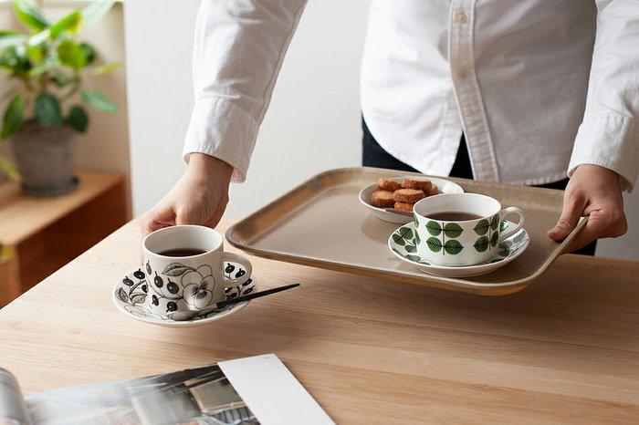 アメリカのダイナーやカフェなどでよく使われるキャンブロのトレイ。FRP素材で水や汚れに強く、軽い上にお手入れが容易なのが魅力です。その上レトロな風合いやカラーだから、何枚も欲しくなります。