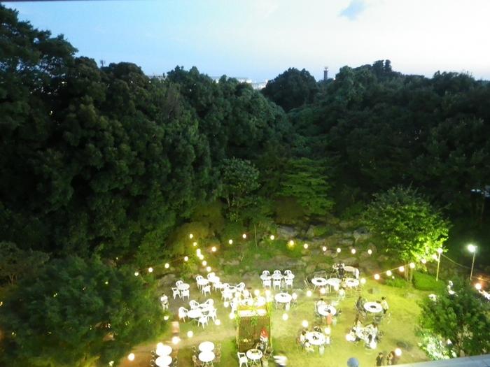 2018年春にはレストラン「オアシス」前の庭園がリニューアル。夏にはガーデンBBQが楽しめます。