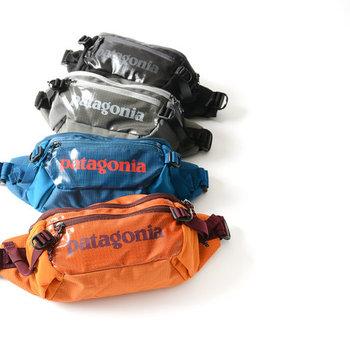 アウトドアブランドとして名高い「パタゴニア」からは、秋らしい色合いの大人なウエストポーチがお目見え。スポーティーな雰囲気の中にも、どこかシックなムードが漂います。