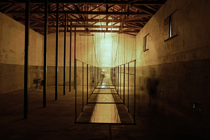 こちらは2013年に旧廣盛酒造会場に展示された藤原京子さんの作品。雰囲気のある建物に現代アートが映えます。開催年以外でも中之条町の各地で見れるアート作品もあるのだそう。期間外に訪れた際にも、街の中にあるアートを感じてみたいですね。