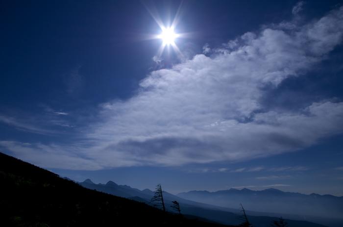 ロープウェイの中から見える景色も最高です。遠くに望む日本アルプスの山並みは、幻想的。