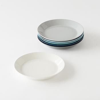 「イッタラ」は、1881年創業のフィンランドのテーブルウエアブランド。毎日の生活を豊かにする、実用的でありながら美しいデザインのアイテムを世に送り出しています。