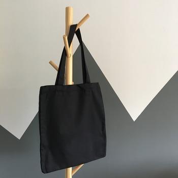 使わなくなったコスメは、「今は使わないから、とりあえずバッグか何かに入れてまとめておこう……」とどこかに置いておいても、気づいた時には使用期限が切れているなど、結局無駄になってしまうこともありますよね。