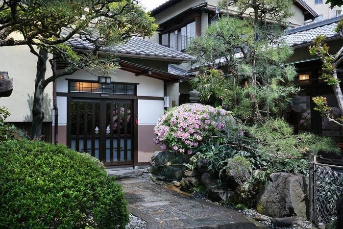 明治6年創業の老舗うなぎ店『あつた蓬莱軒』。ひつまぶしの老舗として名古屋では有名なお店です。