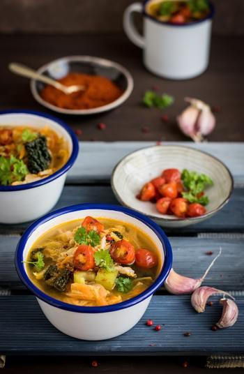 肉や魚介を入れれば、ボリュームもアップ。スープにすれば、野菜もたっぷり摂ることができます。しっかり食事として食べたい人も、ささっと軽く済ませたい人も、満足できるのがスープなんです。
