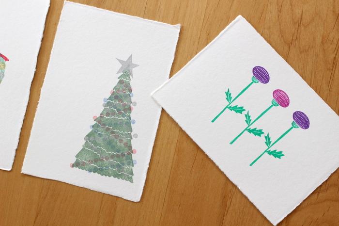 年賀状を出さないと決めたけれど、近況は伝えたいというような場合は、季節のグリーティングカードを活用するといいでしょう。季節のグリーティングカードの数もむやみに増やさないように心がけ、大切にしたいお友達だけに出すようにするといいですね。