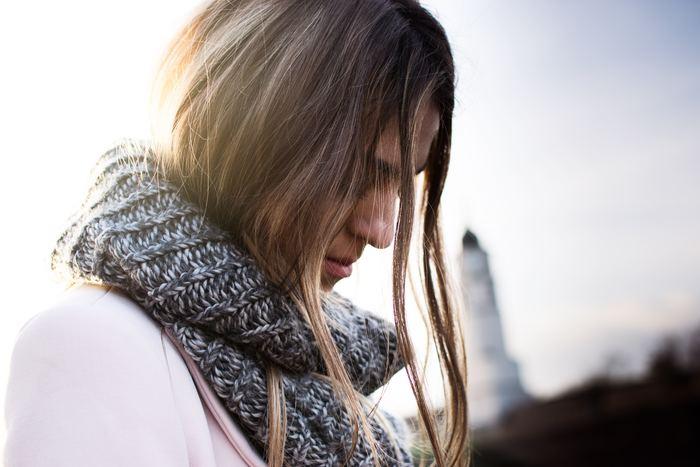 たとえ悪気がなかったとしても、毎回待ち合わせの時間に遅れてしまう人は相手の気持ちを考えられない人と思われてしまいます。また素直に謝れることが出来ず、「自分は悪くないんだ」と真っ先に自己弁護に走ってしまうのも「不実な人」に多く見られる悪い傾向の1つ。相手に不快な思いをさせてしまい、なおかつ素直に謝れないとなると...自分が同じことをされたことを思えば、だんだんと疎遠になっていくのは当然のことではないでしょうか。